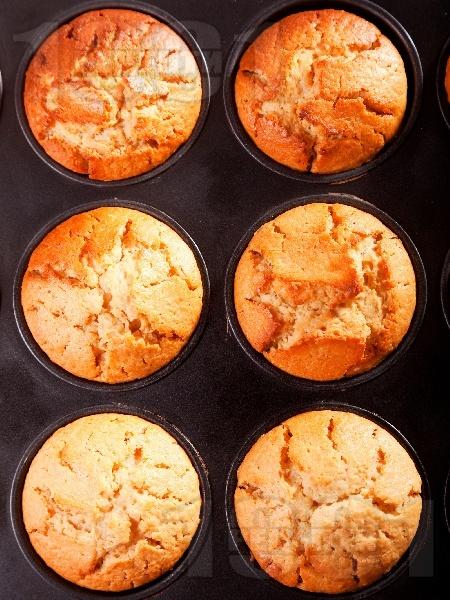Мъфини със смокиново сладко - снимка на рецептата